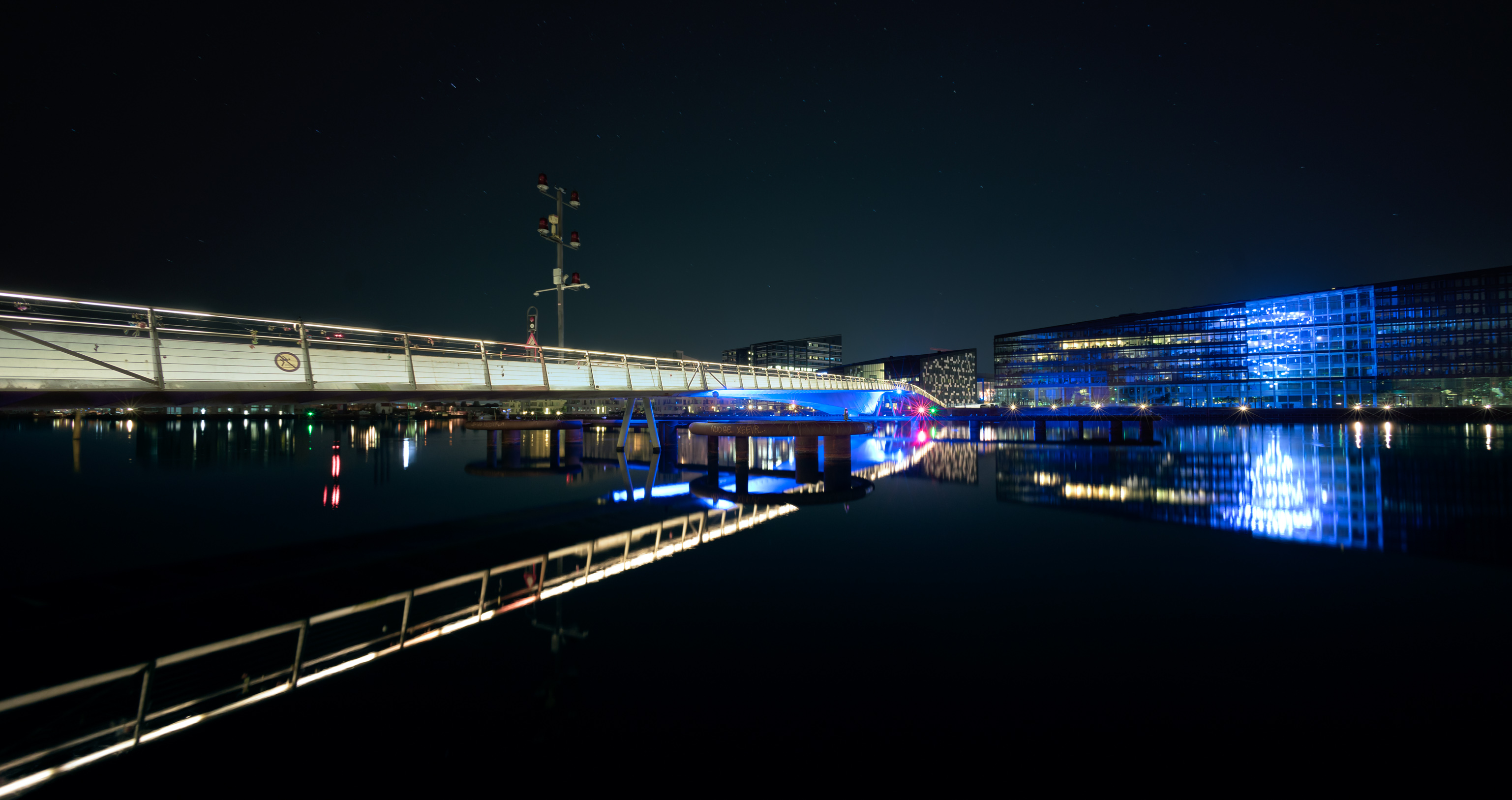brygge-broen-nat